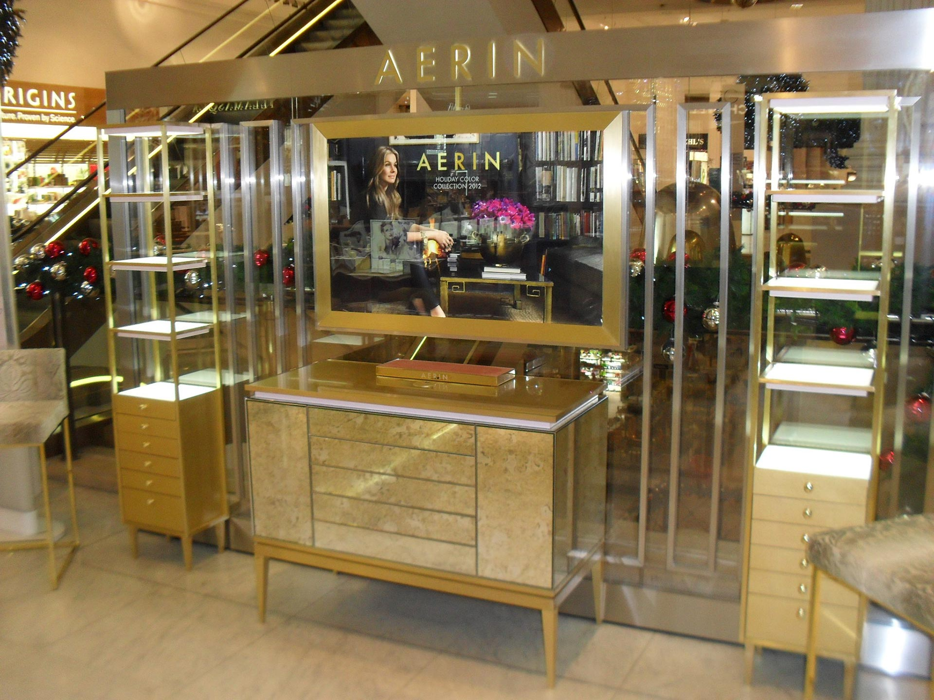 Aerinin-Selfridges-Oxford-Street-01