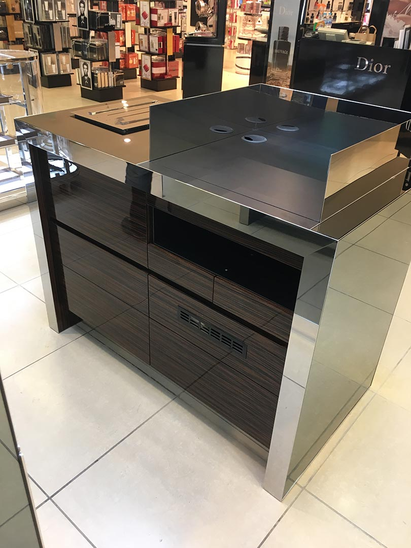 Tom-Ford-House-Of-Fraser-Meadowhall-04